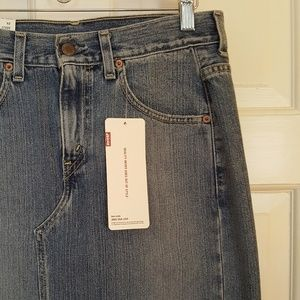 Levis Jean Skirt NWT Size 6